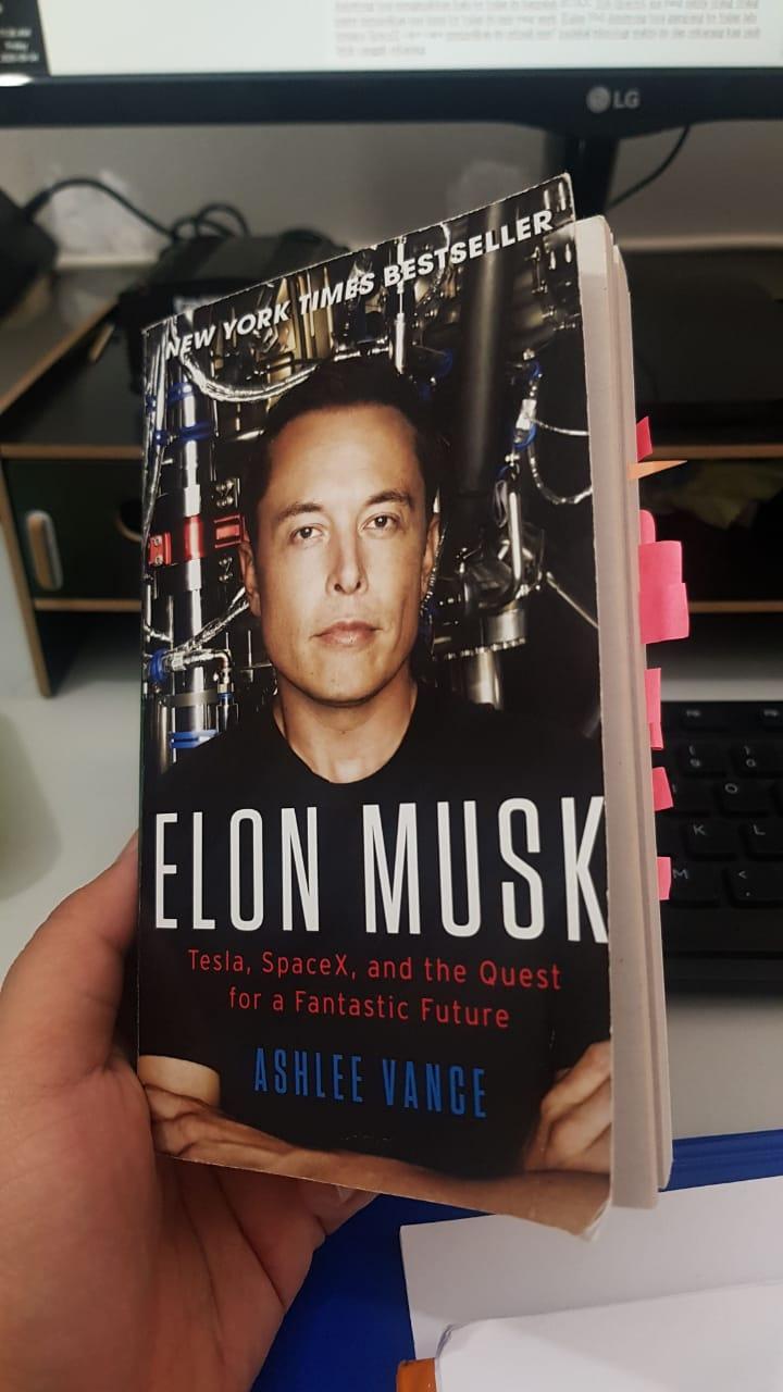 Buku Biografi Elon Musk