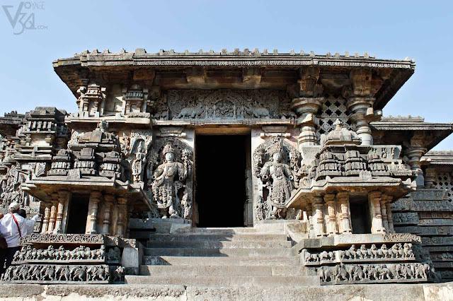 Hoysaleshwara Temple, Halebid - Hoysala temples