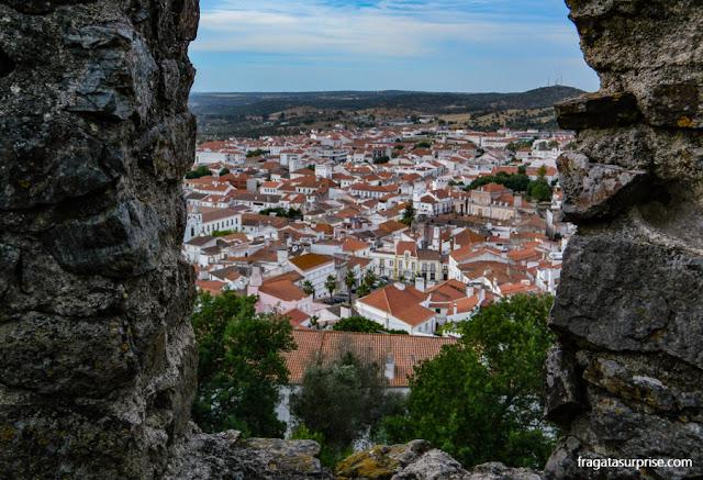 Cidade de Montemor-o-Novo vista das muralhas do castelo