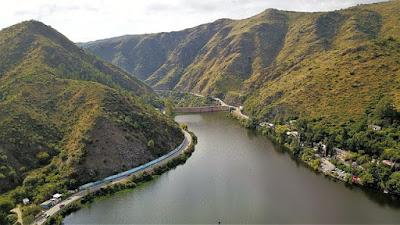 Naturaleza verde en Carlos Paz en Argentina