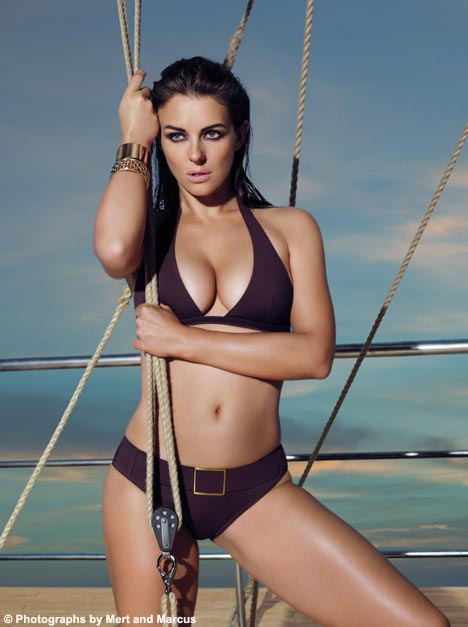 Hot Artist In Bikini Liz Hurley In Bikini