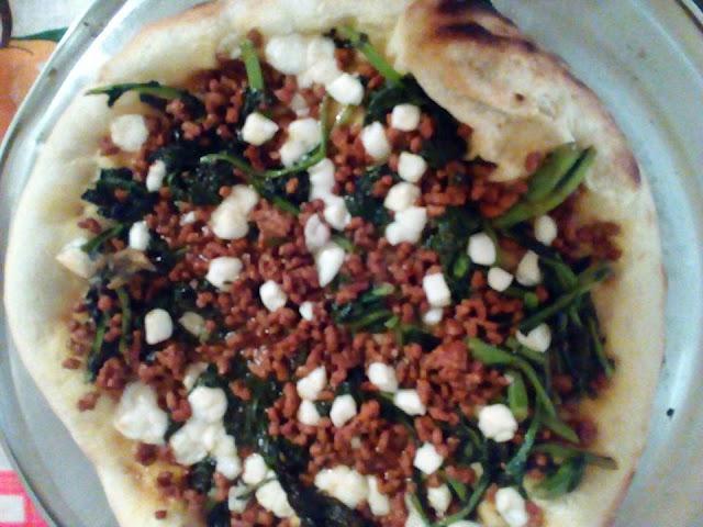 Receta De Pizza Con Chorizo Y Friarelli