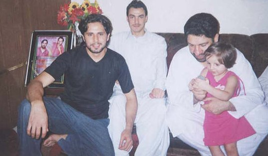 World Face: BOOM BOOM Shahid Afridi's Family