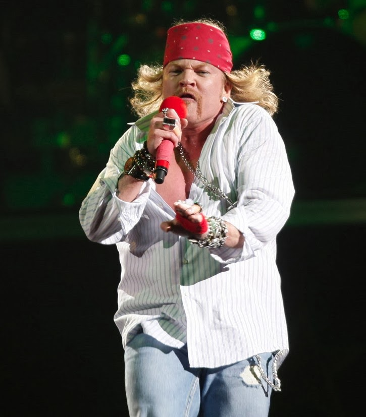 Portly Axl Rose attacks Red Hot Chili Peppers Halftime Show