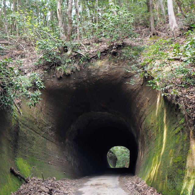 月崎 柿木台第二トンネル 手掘り