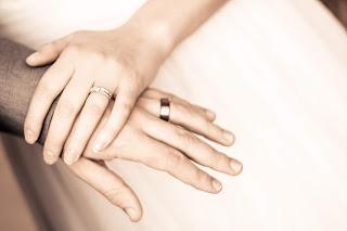 Cincin pernikahan yang sangat menawan