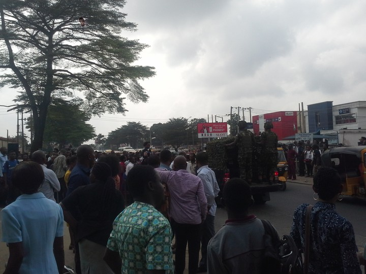 Happening Now: Abia State Polytechnic Staff Protest Over 8 Months Unpaid Salary