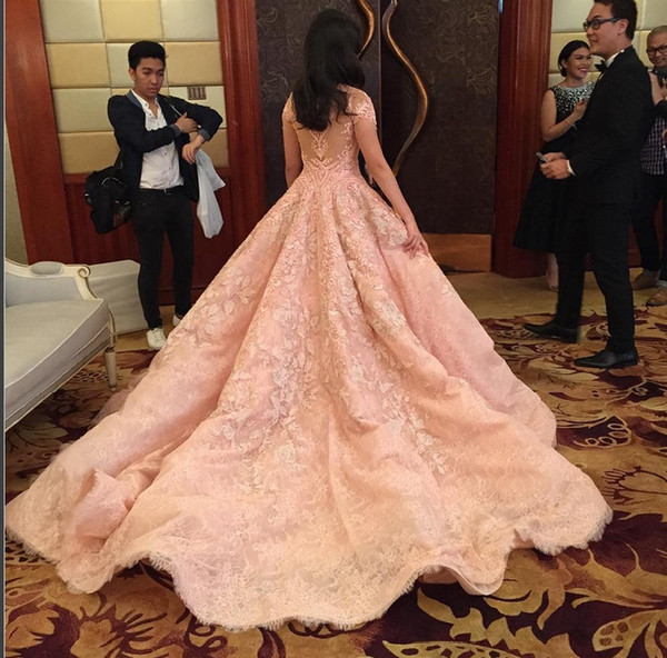 She Also Has Taste On Her Gowns This Michael Cinco Gown Is One The Best Timeless Ever A Peach Ball No Can Resist