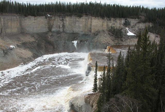 Louise falls - Twin Falls Gorge - Alberta