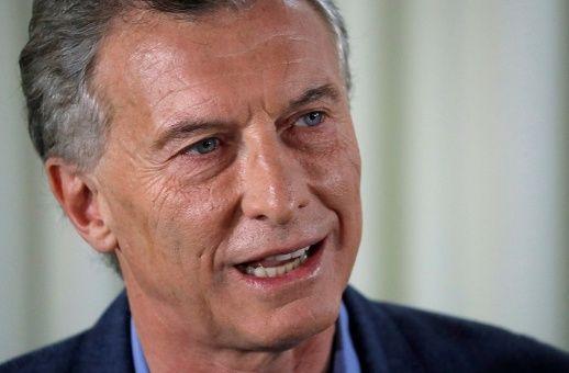 Imputan a Macri por autorizar vuelos semanales a Malvinas