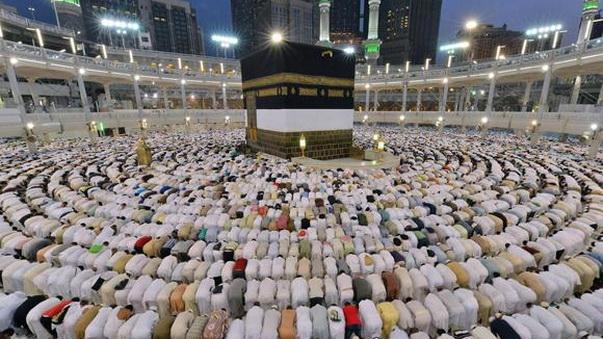 Rasulullah dan Sahabat Selalu Shalat Berjama'ah di Masjid, Kita?