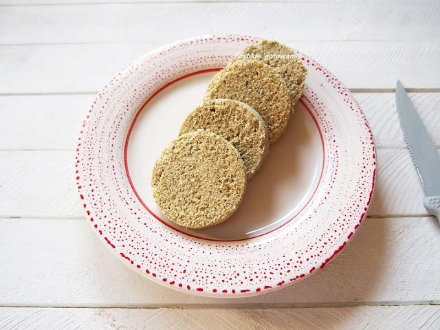 Ekspresowy chlebek kokosowy z mikrofali keto