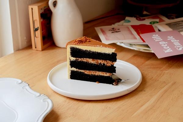 Biscoff Chocolate Cake
