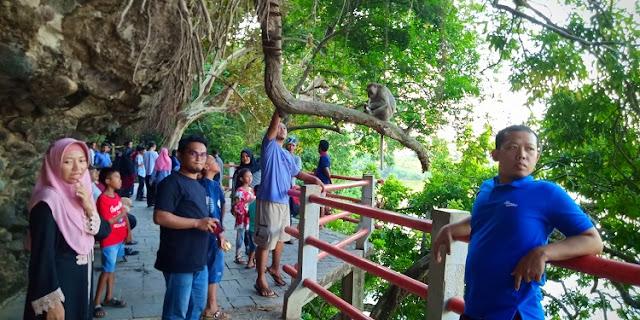 Kisah Goa Kreo, Menurut Warga