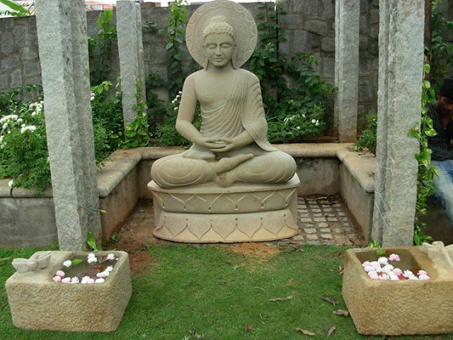 Sri Sarada Shilpa Kala Mandiram done a fantastic job for this beautiful Gautama Buddha Statue