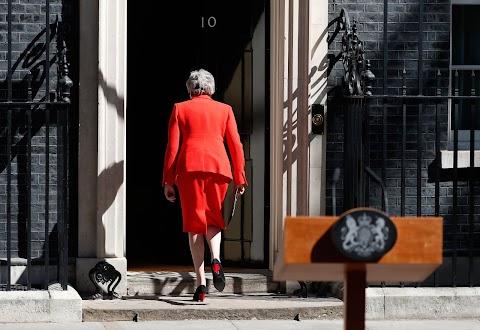 Kreml: May nem tett semmit az orosz-brit kapcsolatok javításáért