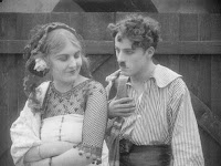 "Кадр из фильма Чарли Чаплина ""Пародия на Кармен"" / Burlesque on Carmen (1916) - 22"