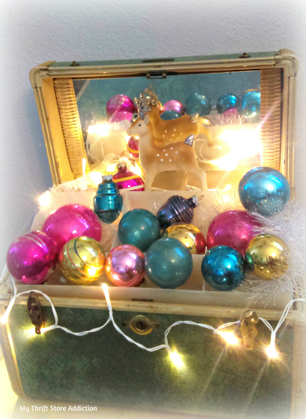 vintage ornament and traincase vignette