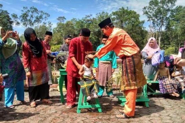 Ritual Mandi Safar Kampung Terih Batam
