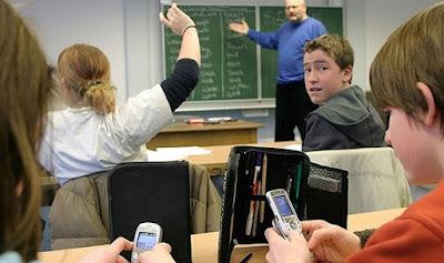 11 Dampak negatif Internet Bagi Dunia pendidikan