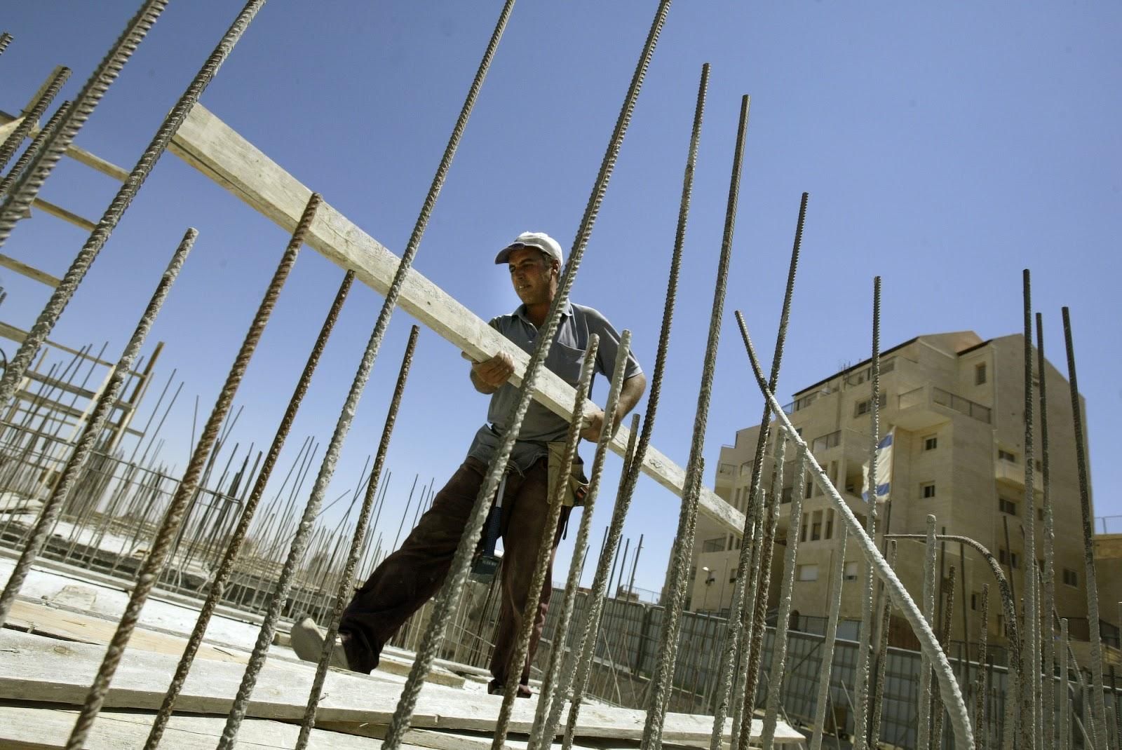 Μητσοτάκης: Αναστέλλεται το ΦΠΑ στις οικοδομικές άδειες