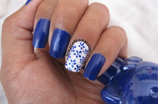 http://hgnaildesign.blogspot.com/2014/09/31dc2014-day-14style-flowers_14.html