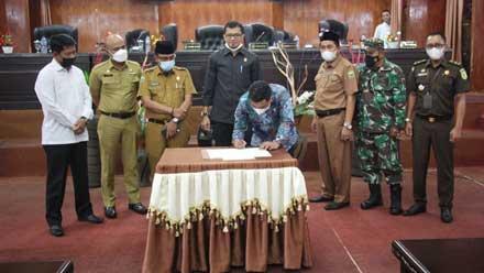 Sidang Paripurna DPRD Kabupaten Solok dengan agenda pemberhentian Dodi Hendra sebagai Ketua DPRD