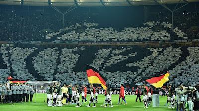 http://fanclub.dfb.de/artikel/fan-club-feiert-13-geburtstag-142823/
