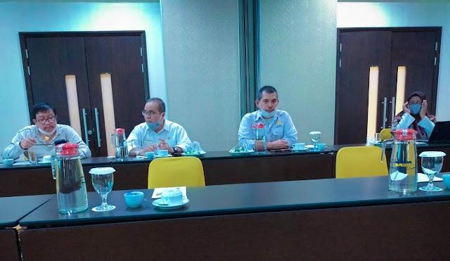Peserta rapat pembahan draft Pergub Kelembanggaan Pokja REDD+ Kalbar