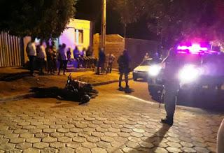 Bandido rouba celular de policial militar