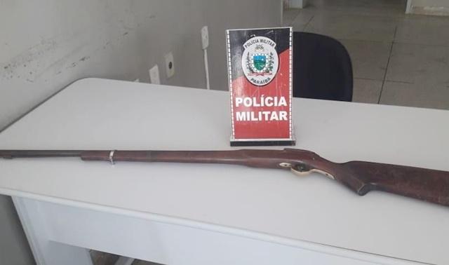 Polícia Militar prende suspeita de homicídio e apreende arma possivelmente utilizada no crime em Matureia PB