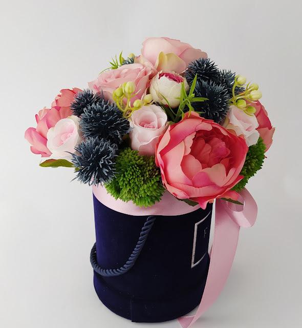 Flower Box - Kamelie i angielskie róże
