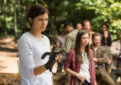 Maggie Greene (Lauren Cohan) and Enid (Katelyn Nacon) in Episode 14