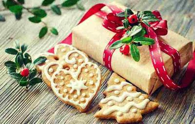 десерты на Новый год, выпечка на Новый год, новогодние десерты, новогодние блюда, новогодние сладости, рождественские десерты, рождественские сладости, рождественская выпечка, что приготовить на Новый год, что приготовить на Рождество, праздничные рецепты, новогодние рецепты, рождественские рецепты, новогодний стол, Новогодние сладкие рецепты, Безе новогоднее «Елочки», Безе «Шишки», Ёлочка из айсинга, Ёлочки из кондитерской мастики для украшения торта (МК), Ёлочка из кондитерской мастики ножницами, Ёлочки из сахарно-желатиновой кондитерской мастики, Ёлочка из лимона, лайма или других цитрусовых, Ёлочка из мастики и белого шоколада, Ёлочка из мастичных снежинок, Заснеженные ёлочки из шоколадных хлопьев, «Заснеженные ёлочки» — песочное печенье, Клубника в шоколаде: рецепты, идеи, оформление, Клубника в шоколаде с маскарпоне, Клубника в шоколаде Санта-Клаус, Кружевные съедобные шарики-безе, Миндальное пирожное «Ёлочка» с белым шоколадом и фисташками, Мягкое апельсиновое печенье, «Новогоднее» — имбирное печенье, «Новогодние звезды» — сметанно-медовое печенье, «Новогодние снежинки» — шоколадное печенье, Новогодний апельсиновый торт, «Пряное» — новогоднее печенье с шоколадной помадкой, «Рудольф» — новогодние шоколадные пирожные, Снеговик в шубке из мастики, Снеговики из безе для новогоднего стола, «Творожные Снеговички» — новогодний десерт, «Шапка Деда Мороза» — клубничный десерт, «Шишки» — новогодние пирожные,