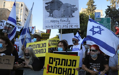 Milhares de israelenses exigem renúncia Netanyahu