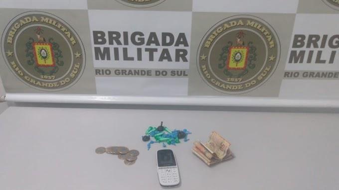 Brigada Militar prende traficante no bairro Parque dos Anjos em Gravataí