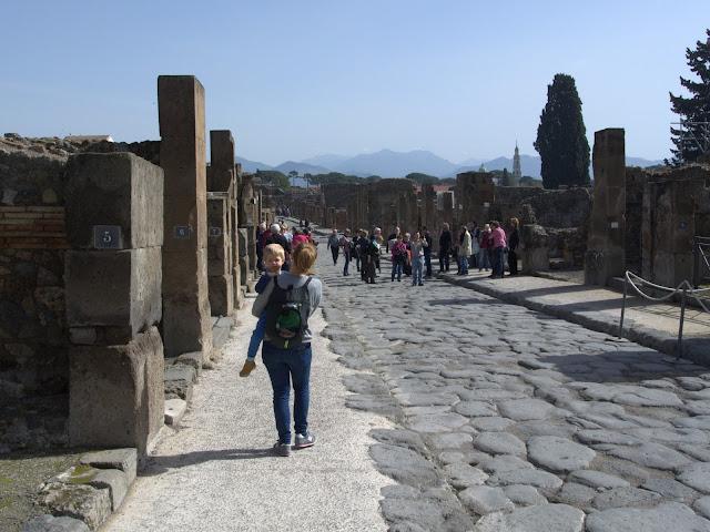 zwiedzanie Pompeje z dzieckiem i wózkiem