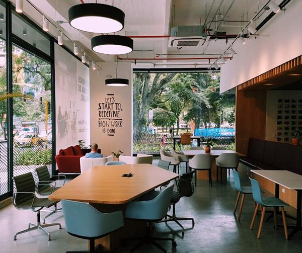 Spaces-coworking-revolucionar-estilo-trabajo-Colombia-IWG