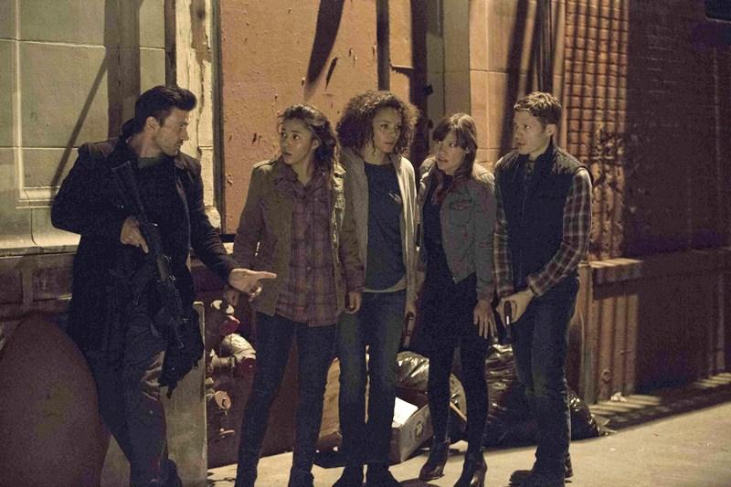 resenha-filme-uma-noite-de-crime-anarquia-2014-blog-um-container