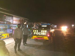 Beri Kenyamanan Malam Hari, Polsek Cendana Melaksanakan Patroli Blue Light