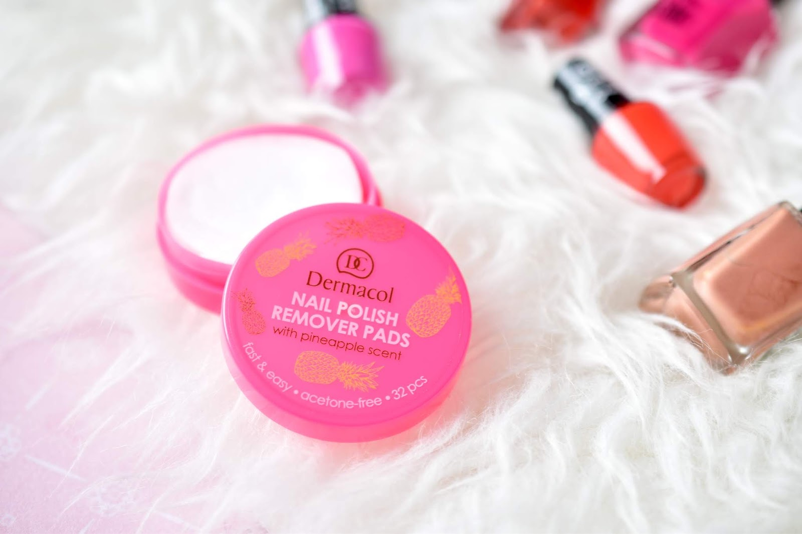 dermacol nail polish remover pads