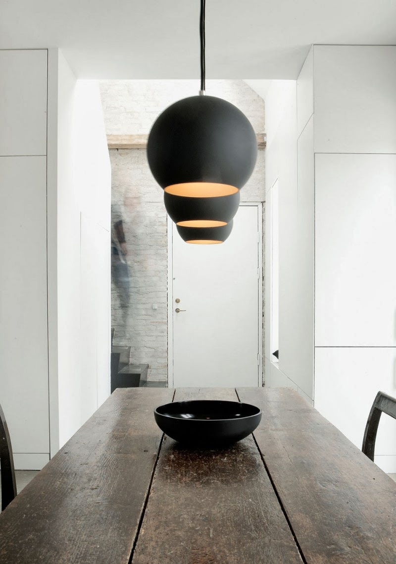 my scandinavian home: An artist\'s home in black, white and concrete