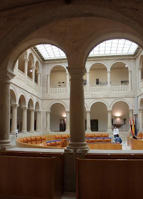 Parlamento, Logroño