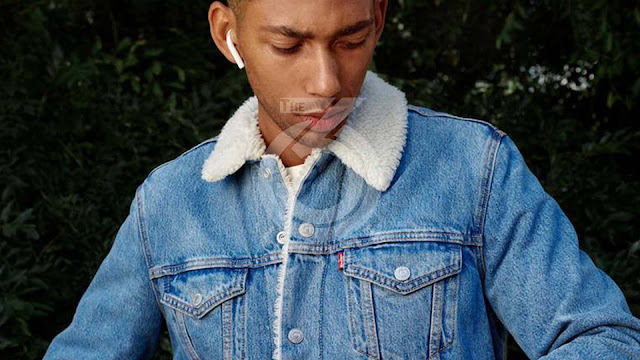 Levi's puts on science-fashion
