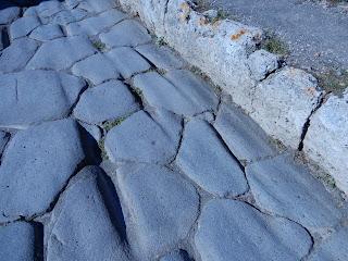 ポンペイ遺跡 轍の跡