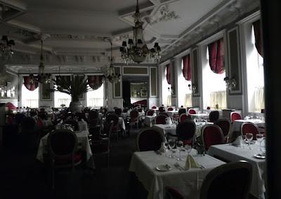 mesas e cadeiras do Restaurante D. Pedro II