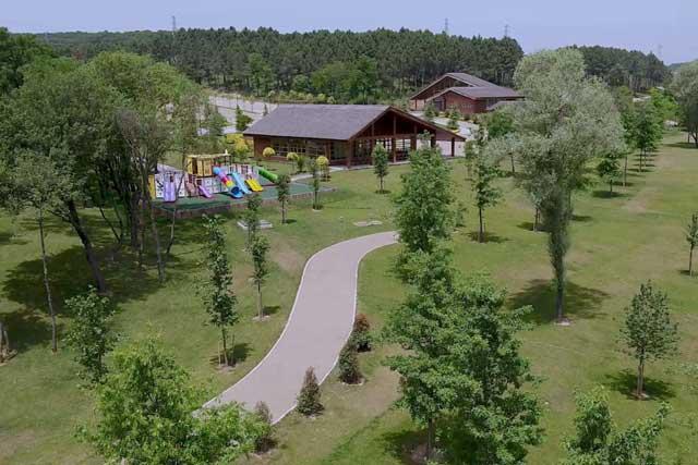İstanbul Kemerburgaz Kent Orman hizmete açıldı. Peki Kemerburgaz Kent ormanına nasıl gidilir, neler yapılır?