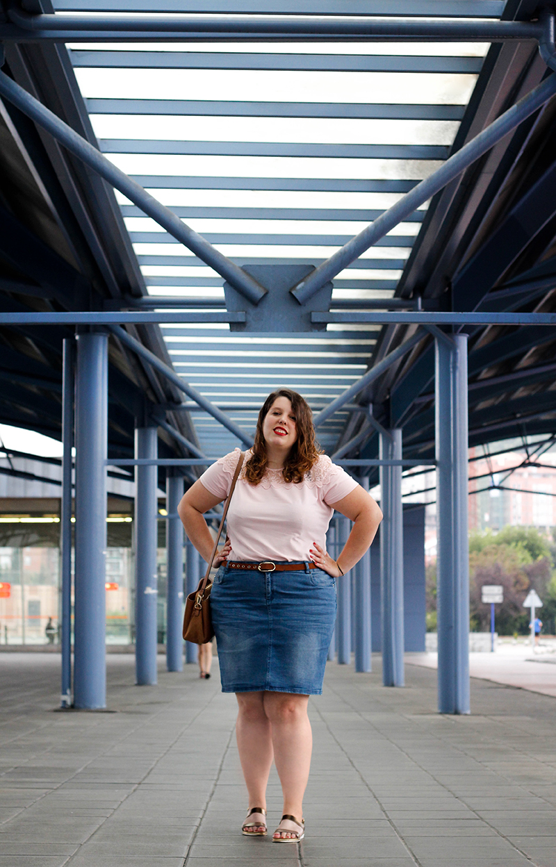 Collage of Style by Almudena Duran - Outfit con falda vaquera y detalles lenceros