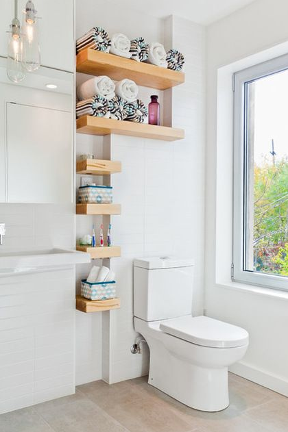 FANTASTIC BATHROOM ORGANIZATIONAL HACKS