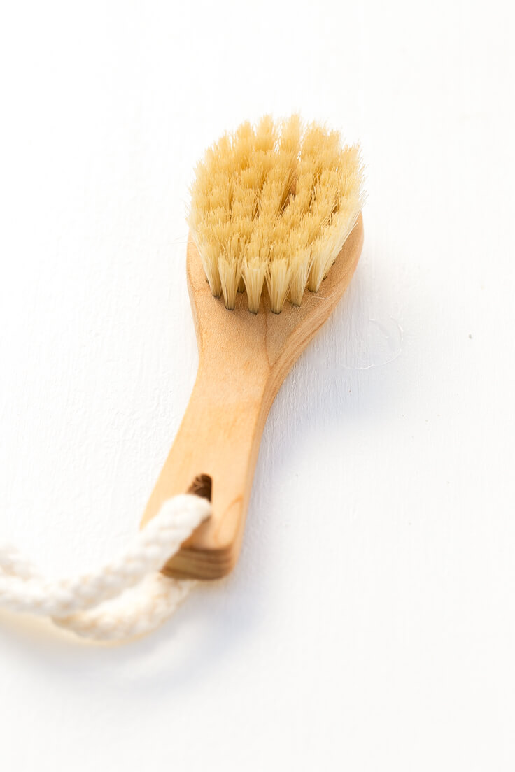 Natural Facial Scrub Brush: These scrubs are natural and healthy alternatives to commercial scrubs and are made with 100% natural ingredients.